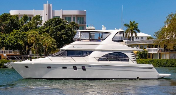 2007 54' Carver Voyager 52 for sale at Suncoast Boat Show