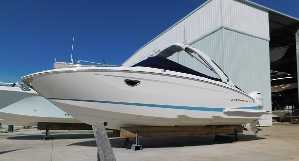 29 ft 2018 Regal 29 OBX at the Suncoast Boat Show