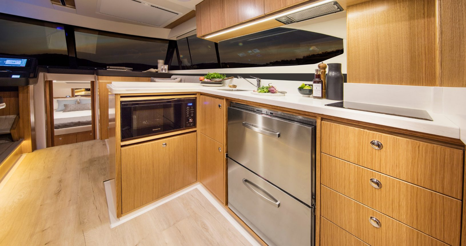 Riviera 395 SUV - Galley