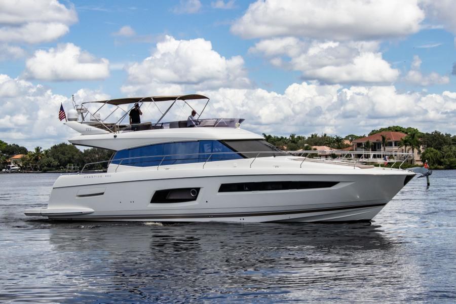 Luxury Flybridge Yachts for Sale