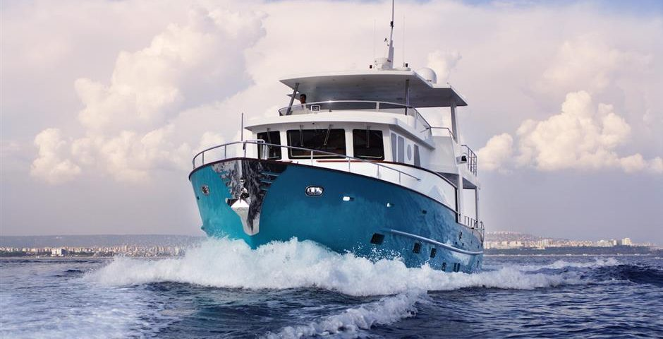 How to Choose the Right Liveaboard Boat - SYS Yacht Sales