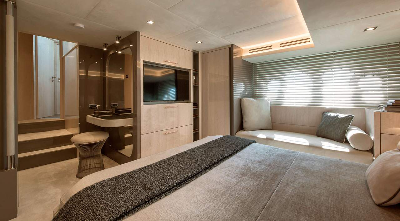Monte Carlo Yachts MCY 66 master stateroom