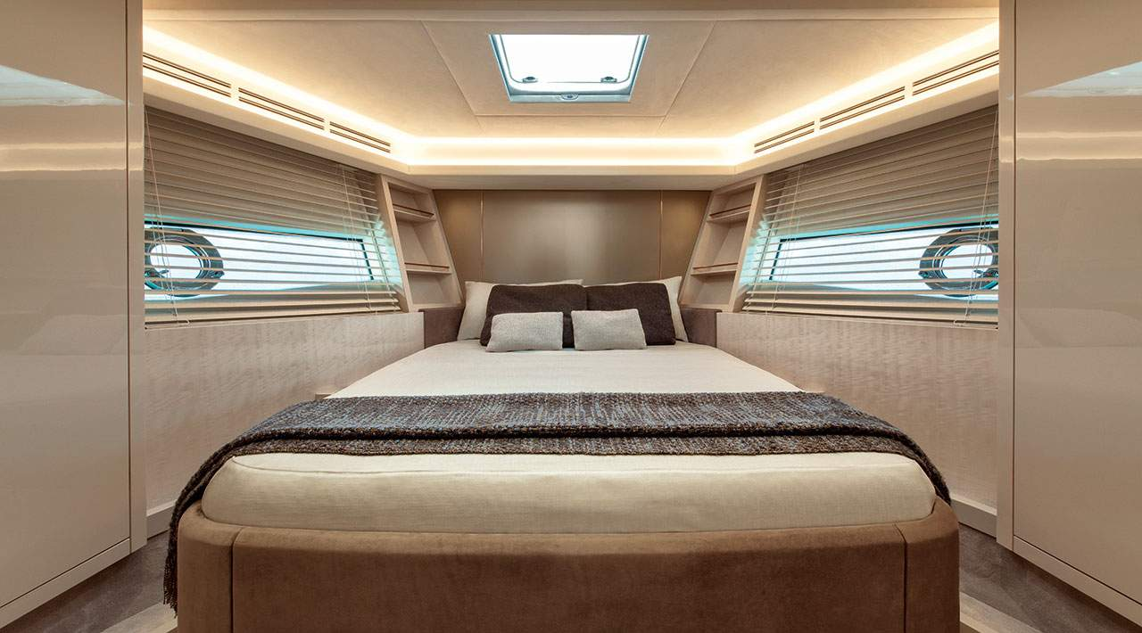 Monte Carlo Yachts MCY 66 Guest Cabin