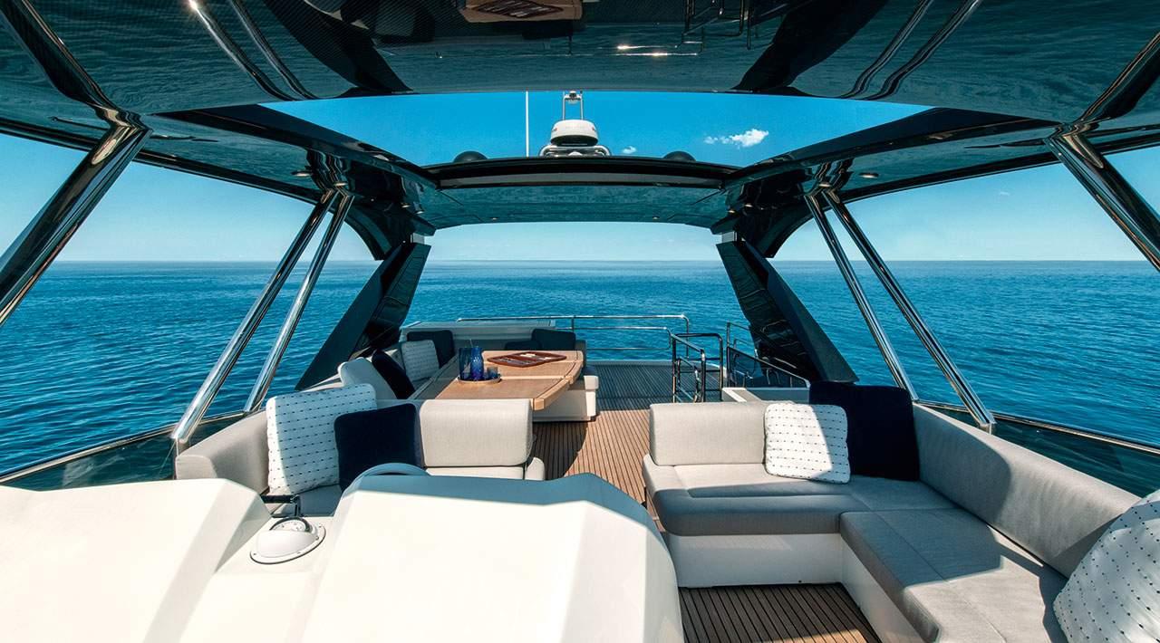 Monte Carlo Yachts MCY 66 flybridge