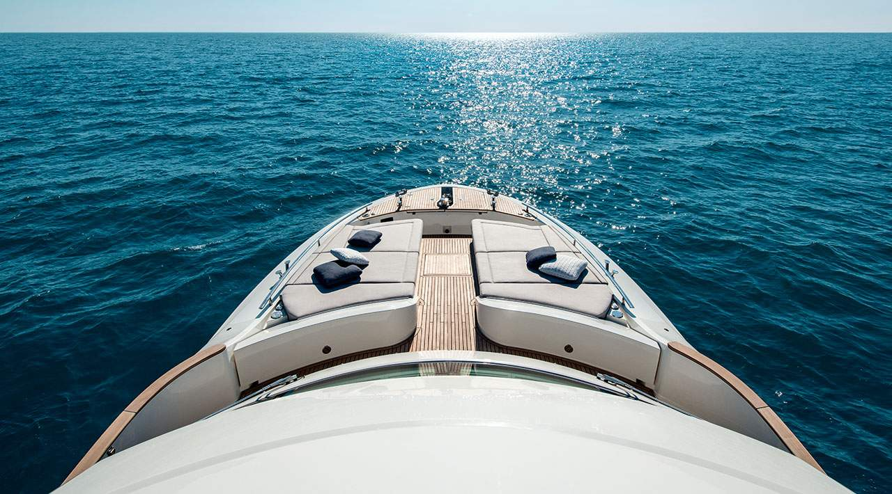 Monte Carlo Yachts MCY 66 now seating