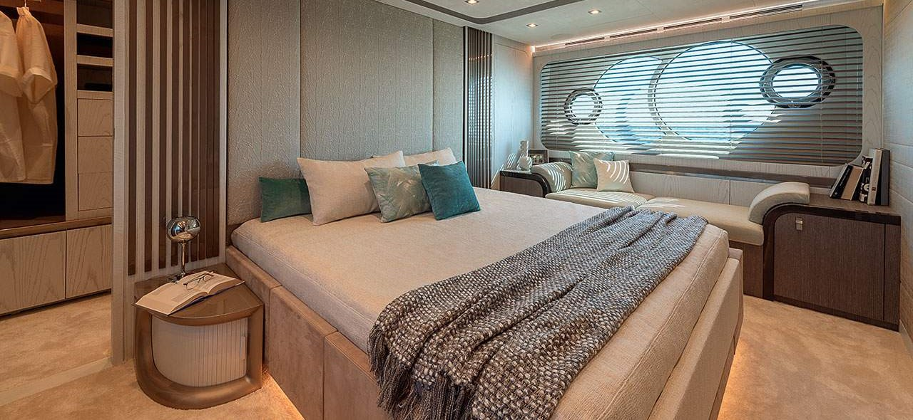 Monte Carlo Yachts MCY 76 Master Stateroom