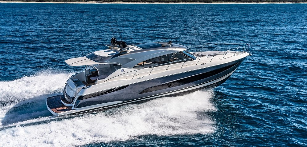 5400 Sport Yacht Platinum Edition at Fort Lauderdale Boat Show 2019