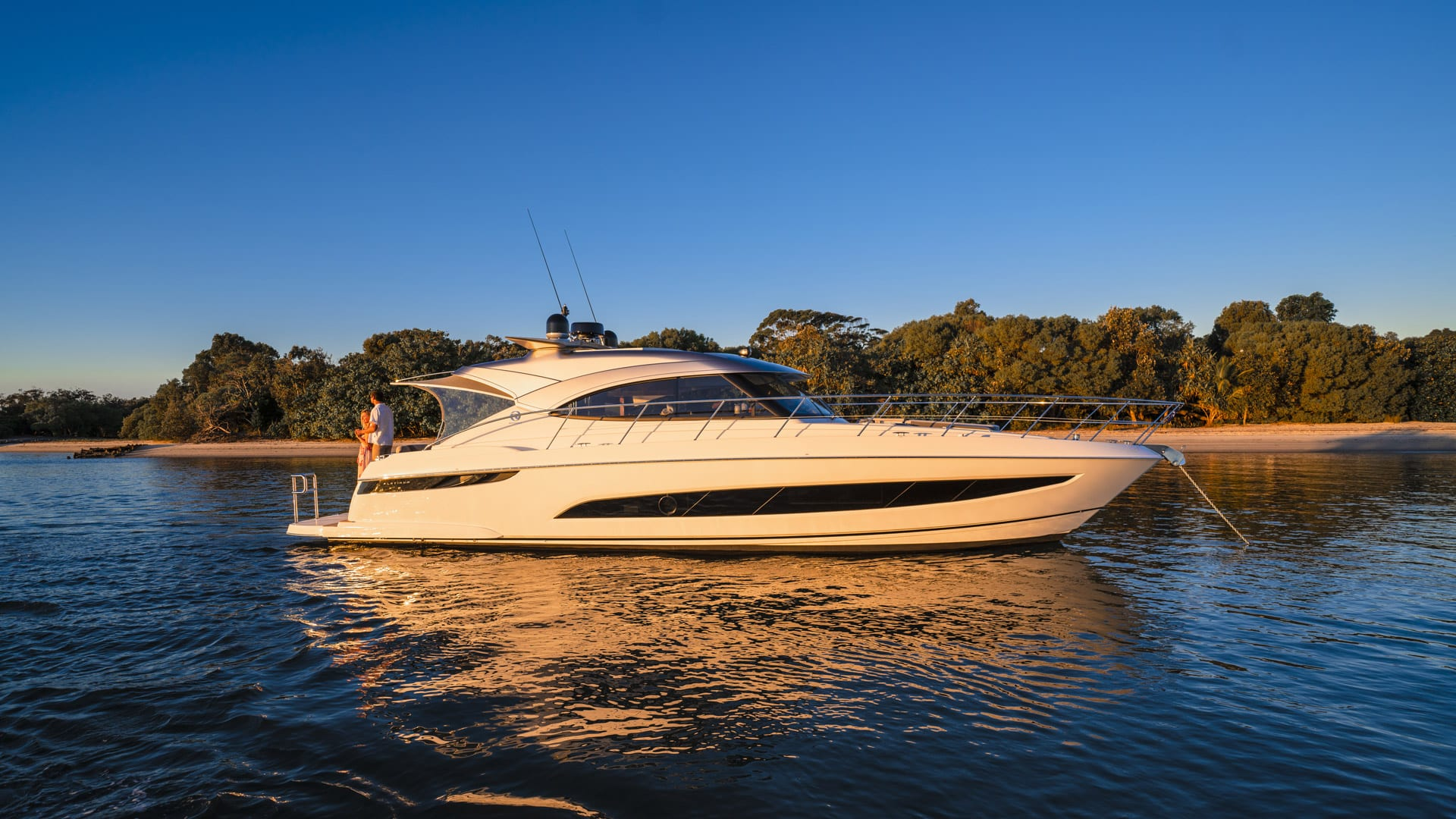 Riviera-4800-Sport-Yacht-Series-II-Platinum-Edition-Lifestyle-05