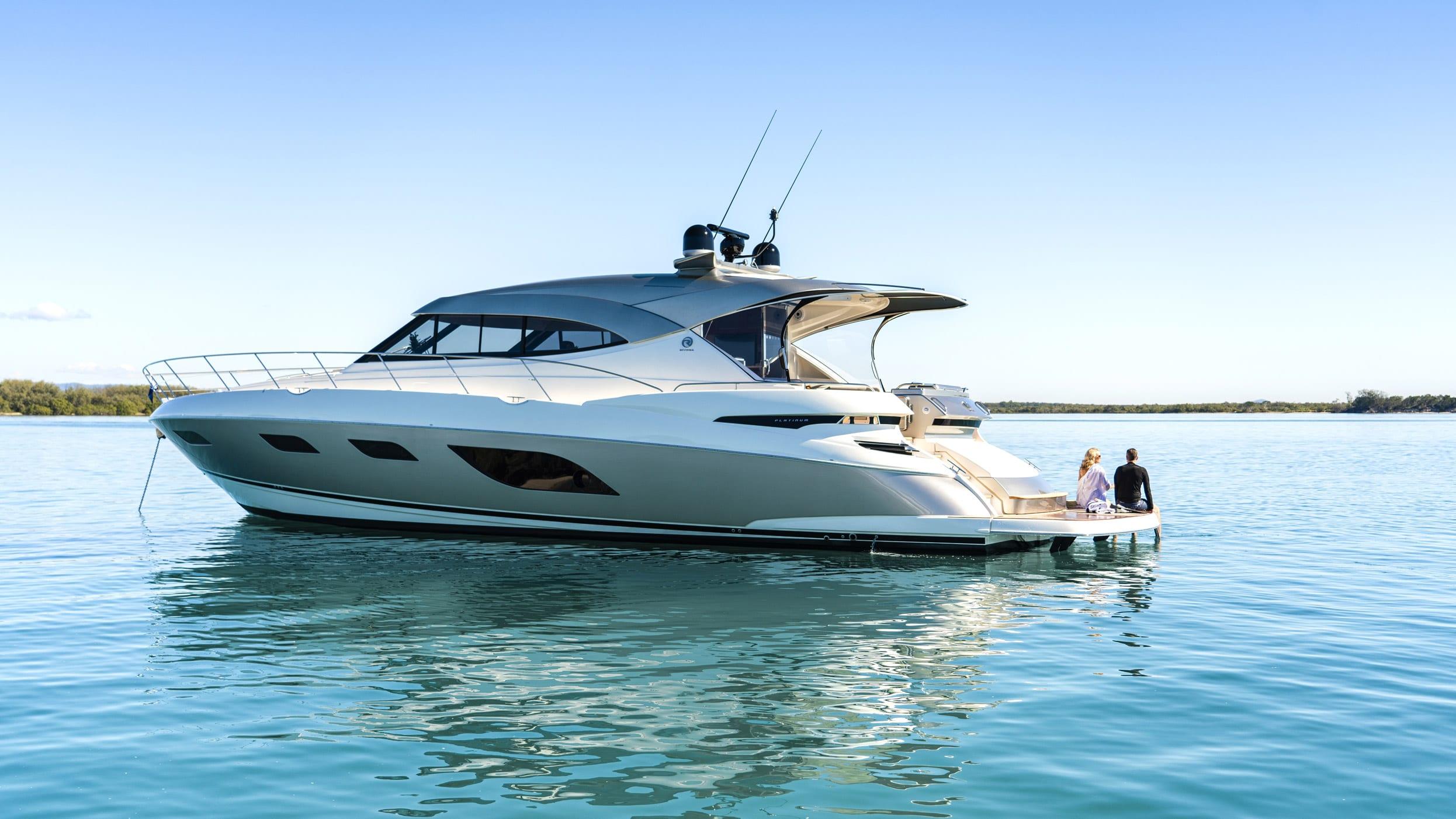 Riviera-6000-Sport-Yacht-Platinum-Edition-Lifestyle-04